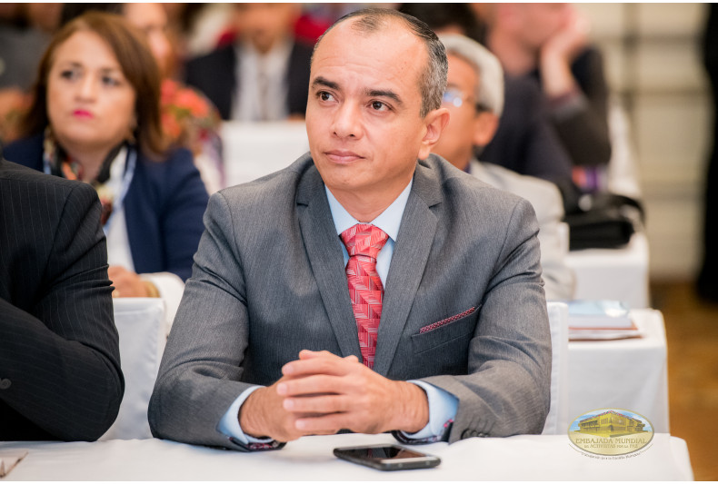 Rector Julián Aguilar E.