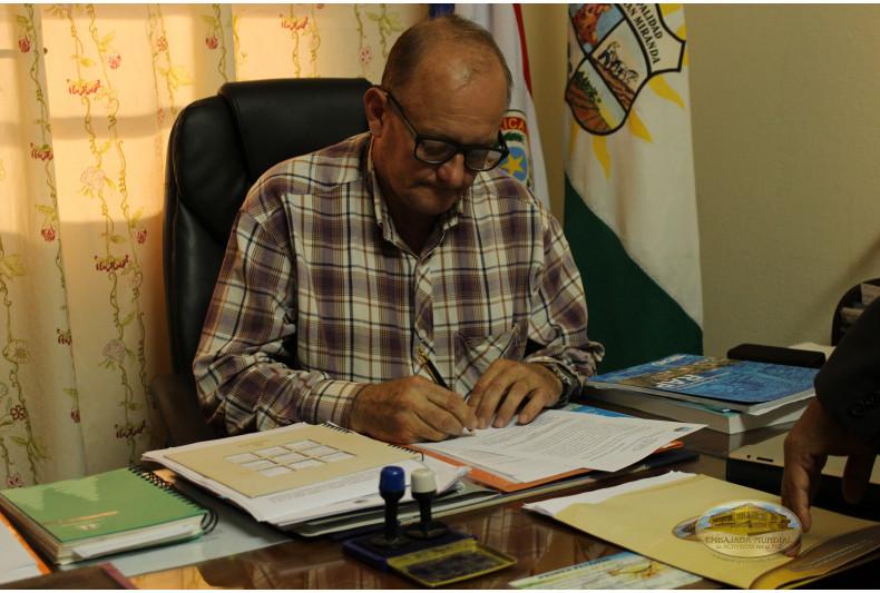 Basilio Gura Hain firma proclama