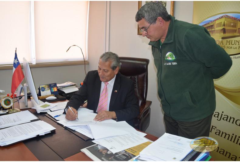 Alcalde Los Sauces apoya proclama