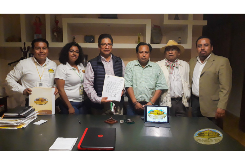 Santiago Miahuatlan Puebla entrega documento por la Madre Tierra