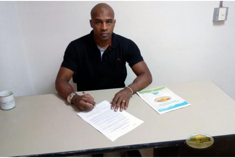 Alcalde del municipio de Copacabana firma resolución