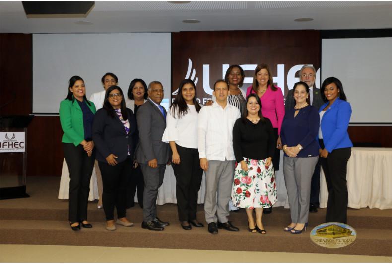 Algunos de los ponentes de la Primera Exposición de buenas prácticas de Responsabilidad Social Universitaria