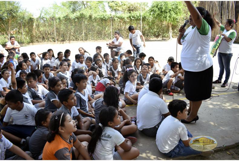 Comunidad estudiantil participa en talleres educativos por el cuidado de la Madre Tierra