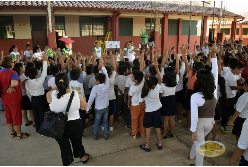 """Talleres en la Unidad Educativa """"José Natusch Velasco"""""""
